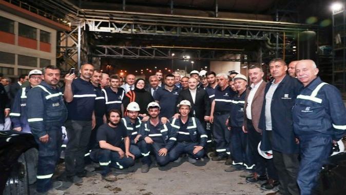 Başkan, Sahurda işçilerin sofrasına konuk oldu