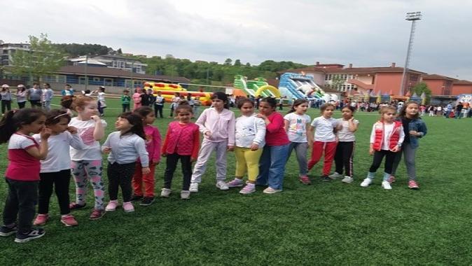 Kandıralı minikler eğlenceye doydu, Akçakoca İlköğretim okulu, ana sınıfı öğrencilerden Simay Kavak,