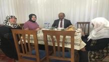 Başkandan çat-kapı iftar ziyareti