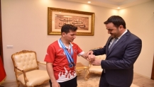 Başkandan Şampiyon sporcuya Ödül