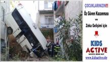 Gölcük'te Meydana Gelen Kazada Yaralı Sayısı Yükseliyor